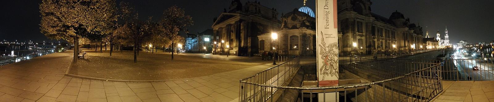 Dresden: Panoramablick an den Brühlschen Terrassen