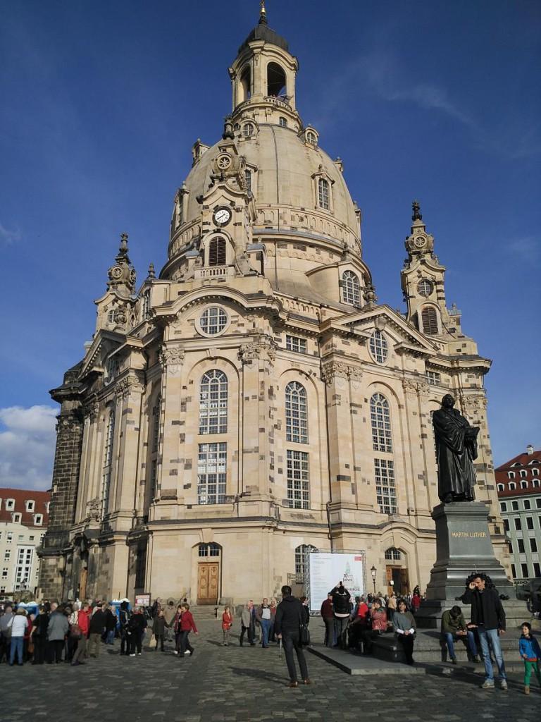 Dresden - Frauenkiche und Lutherdenkmal