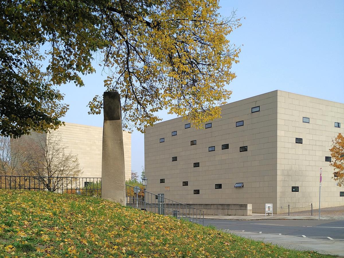 Dresden - Neue Synagoge und Denkmal der 1938 zerstörten Synagoge